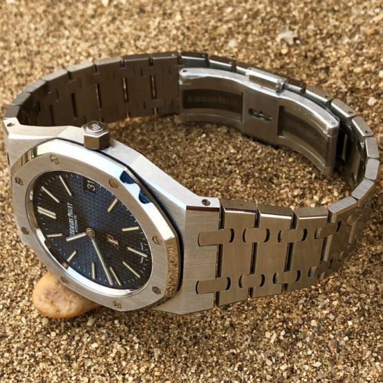 XF厂爱彼皇家橡树系列15202ST腕表对比正品和市场其他版本会不会一眼假呢