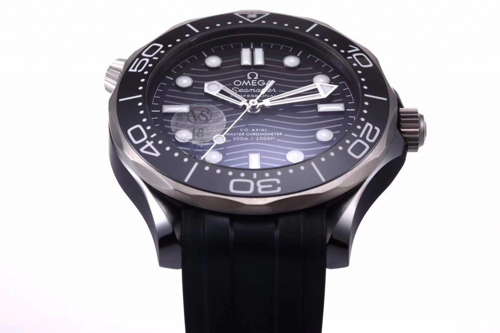VS厂欧米茄新海马300米真陶瓷壳腕表最全详解