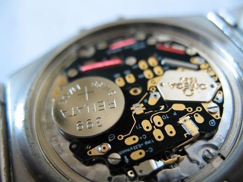 石英表怎么更换电池-石英机芯手表电池多久换一次
